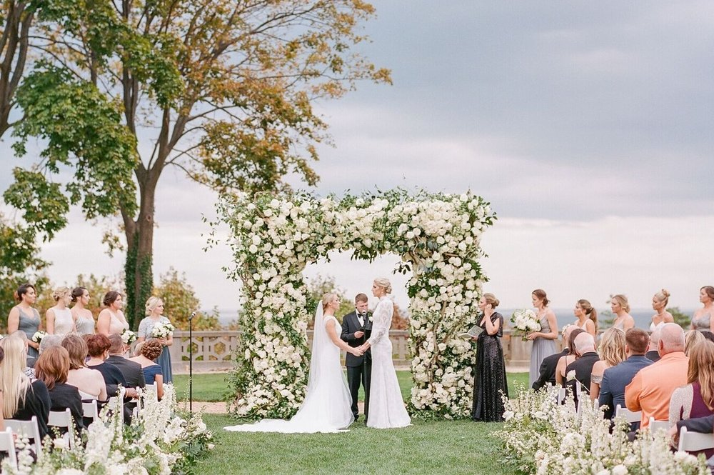 celebrity wedding planner jove meyer planned and designed the knot dream wedding for elena delle donne.