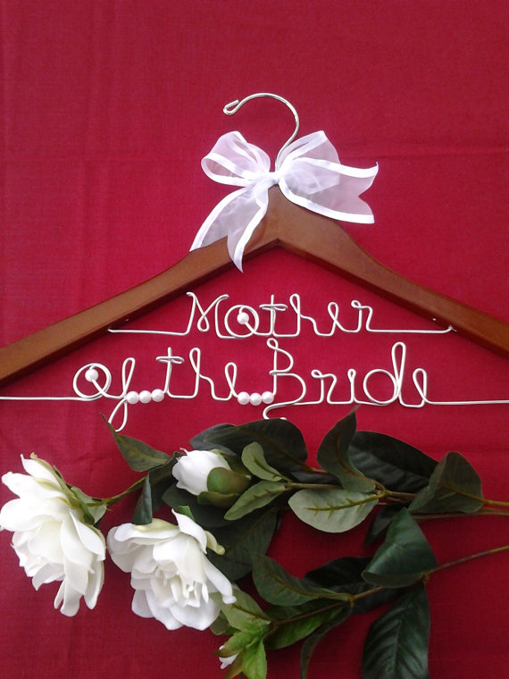 Special gifts for mom on wedding day