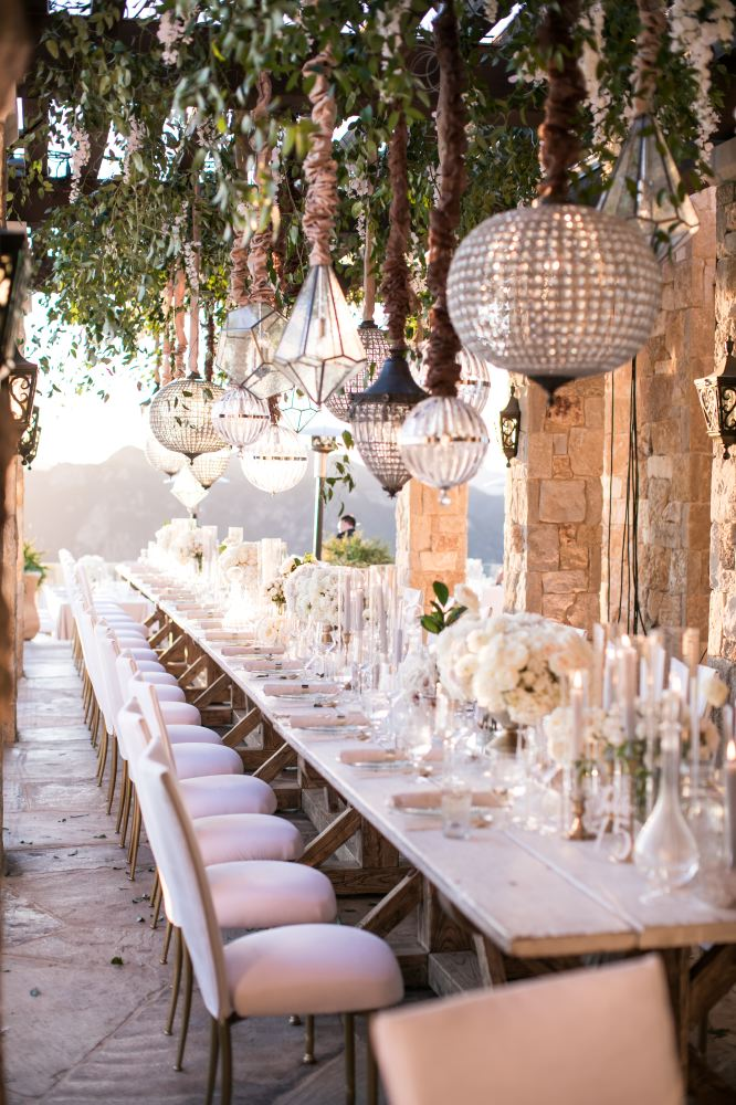 Photo: Samuel Lippke Photography // Venue: Malibu Rocky Oaks // Floral Design: Bloombox Designs // Chandeliers: Amber Events // Rentals: Found Rentals, Classic Party Rentals, & A Rental Connection