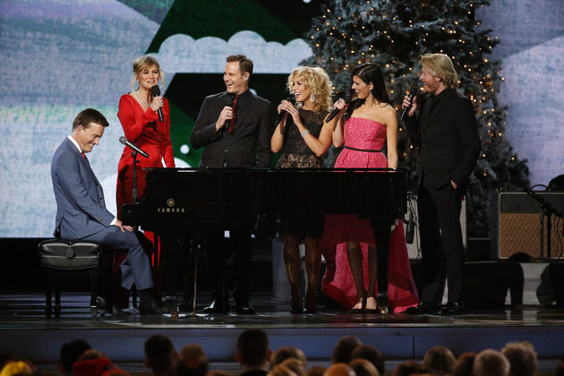 """Jennifer Nettles introduces Michael W. Smith and Little Big Town at the """"CMA Country Christmas"""" taping on Friday, Nov. 7, 2014 at the Bridgestone Arena in downtown Nashville. The holiday special airs Monday, Dec. 1 at 8/7c on the ABC Television Network."""