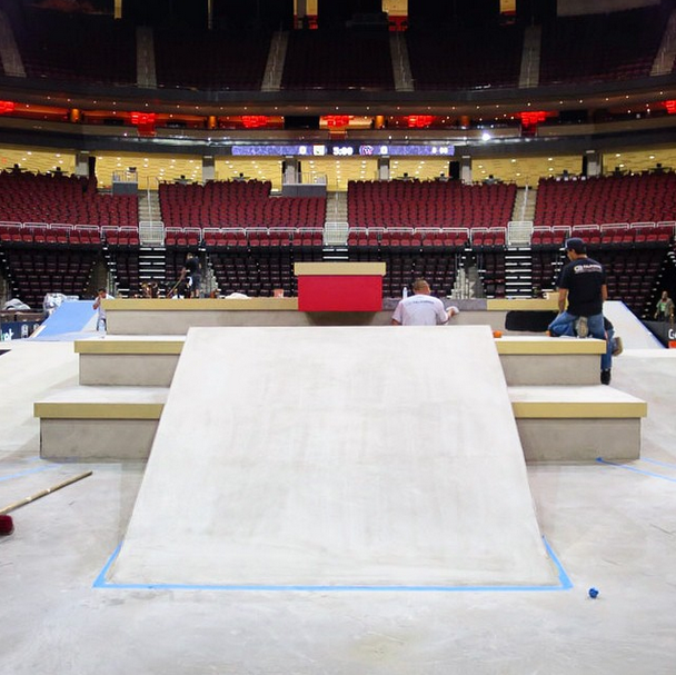 Really though, do mind the gap. Photo via @streetleague.