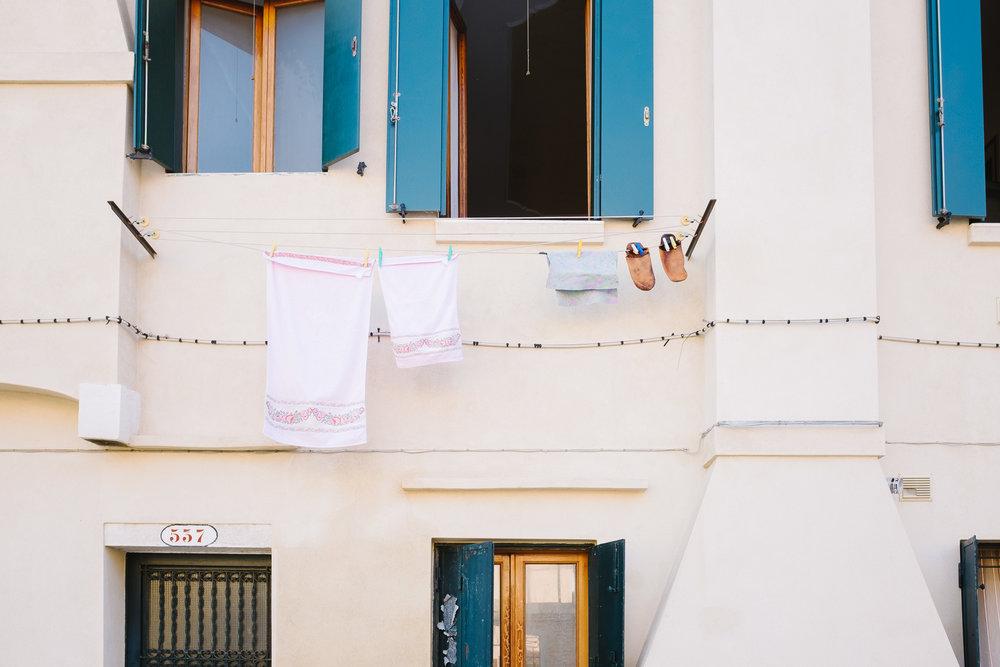 09-venice-washing-lines-7725-pete-carr.jpg