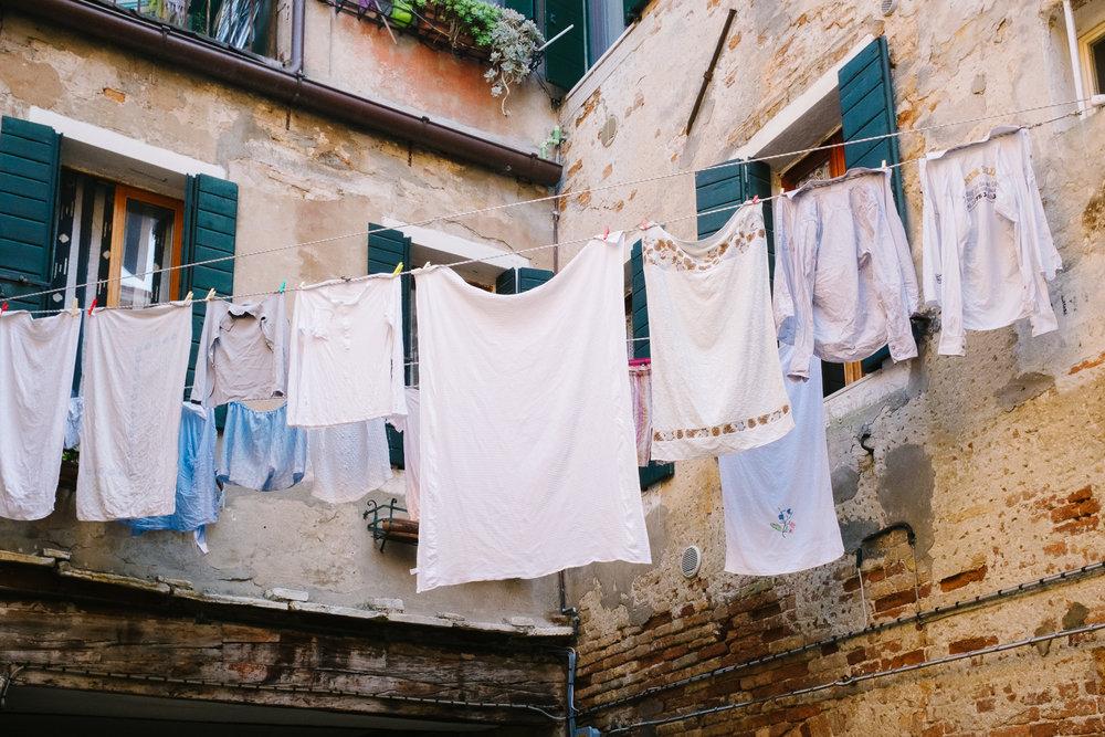17-venice-washing-lines-7845-pete-carr.jpg