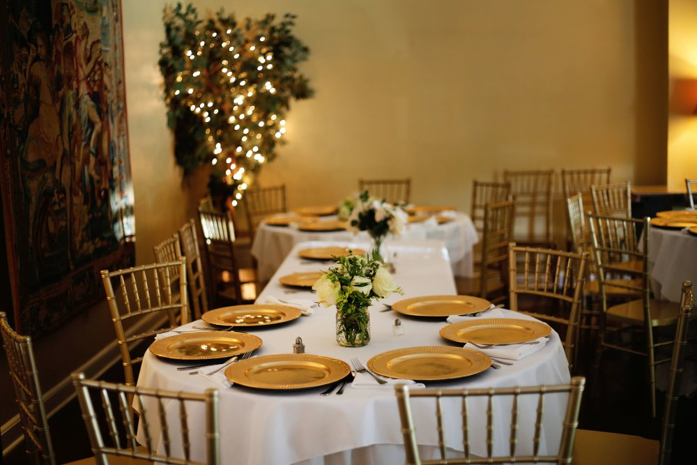 occasions-table-setting.jpg