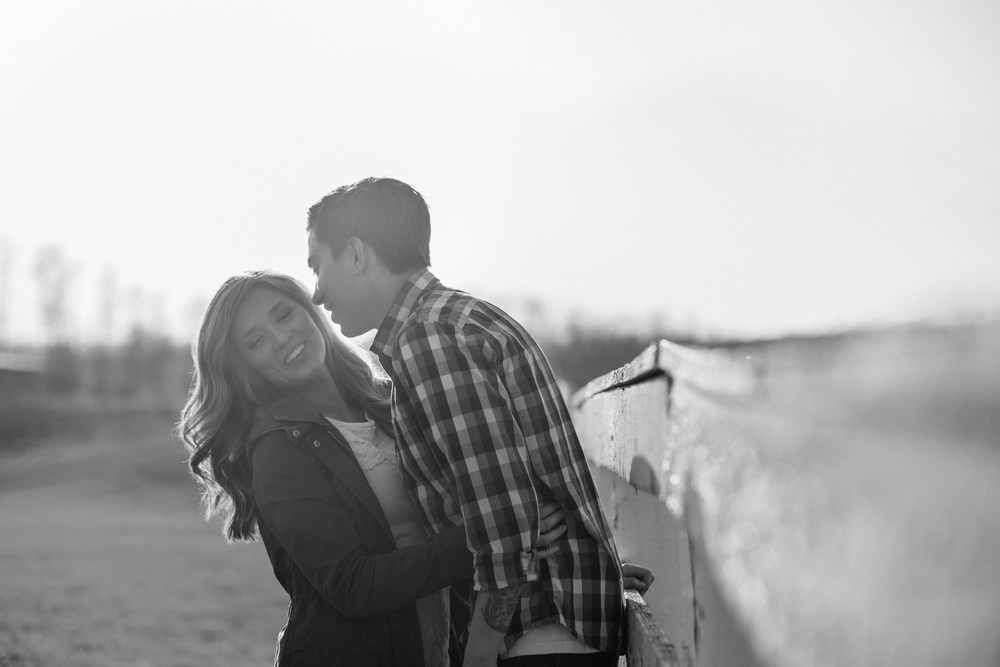 Julia&Cameron_ Engagement_Blog_0005.jpg