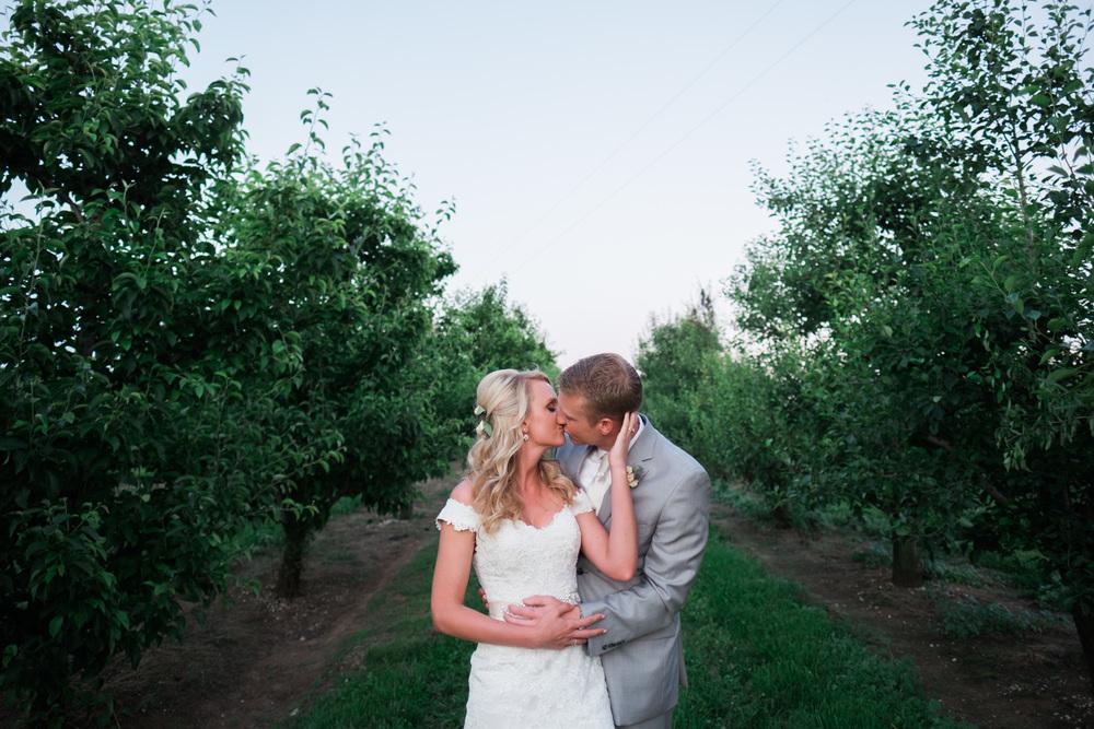 Katie&Clay_Wedding_Blog_0104.jpg