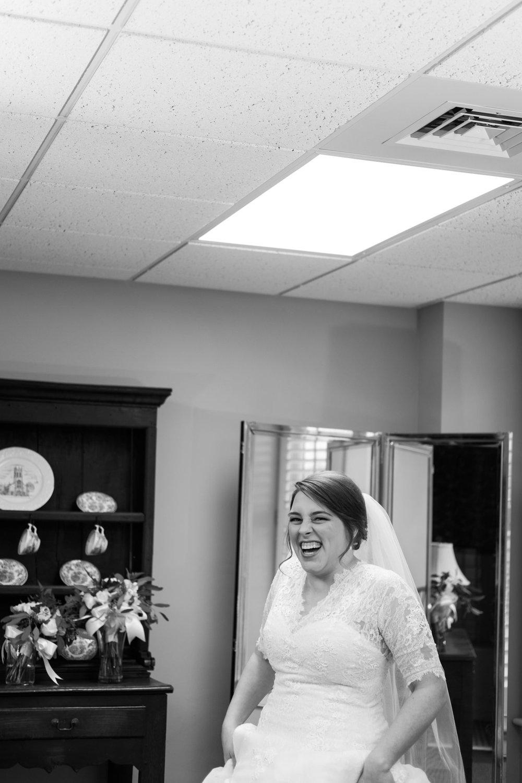 Paige&Henry_Wedding_Blog_0011.jpg