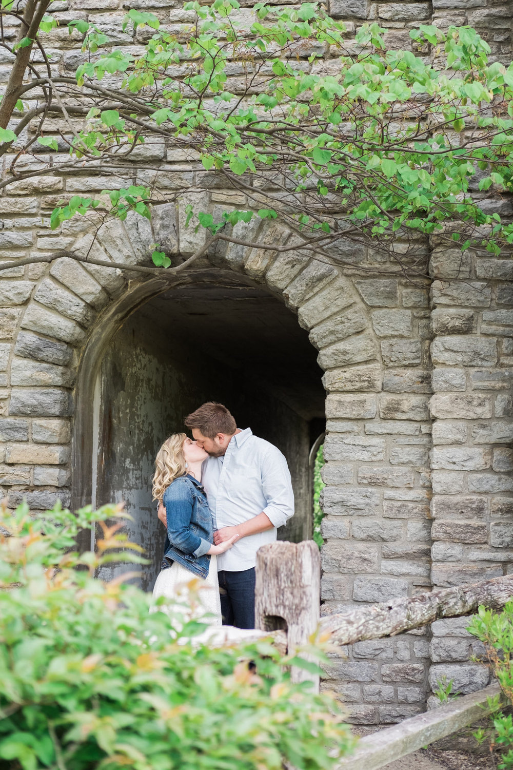 Lauren&Zach_Engagement_Blog_0014.jpg