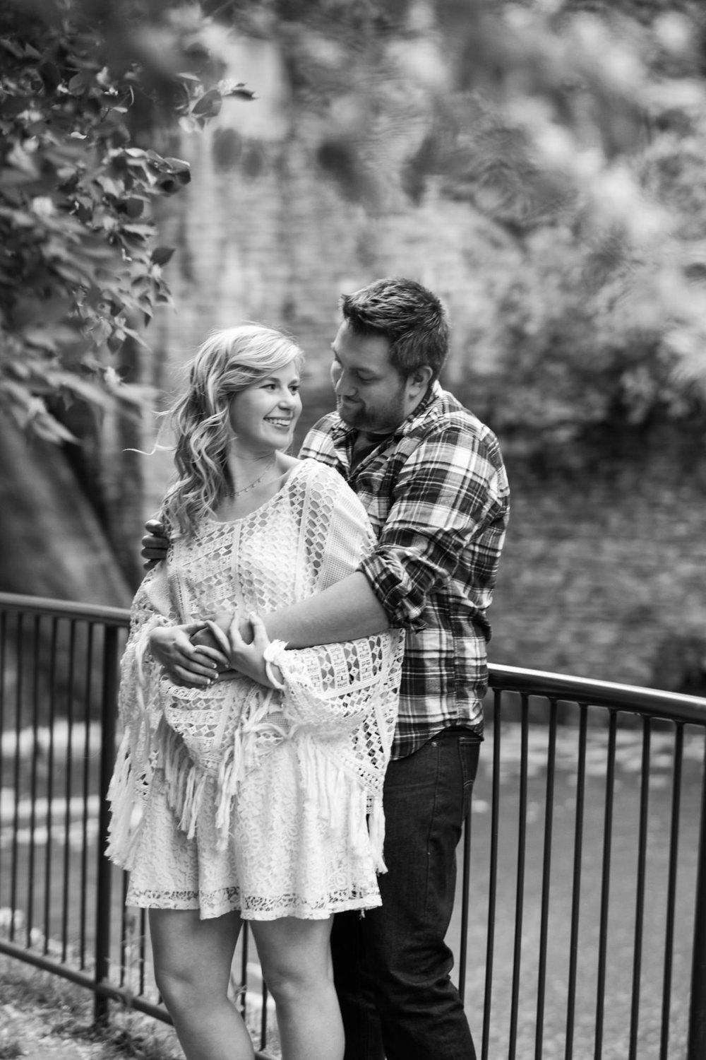 Lauren&Zach_Engagement_Blog_0018.jpg