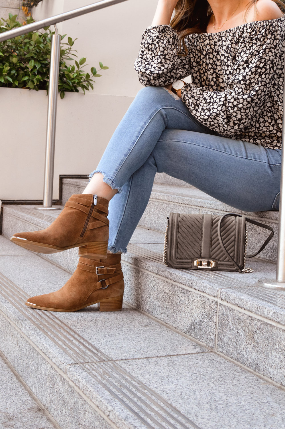 Marc Fisher Yatina booties
