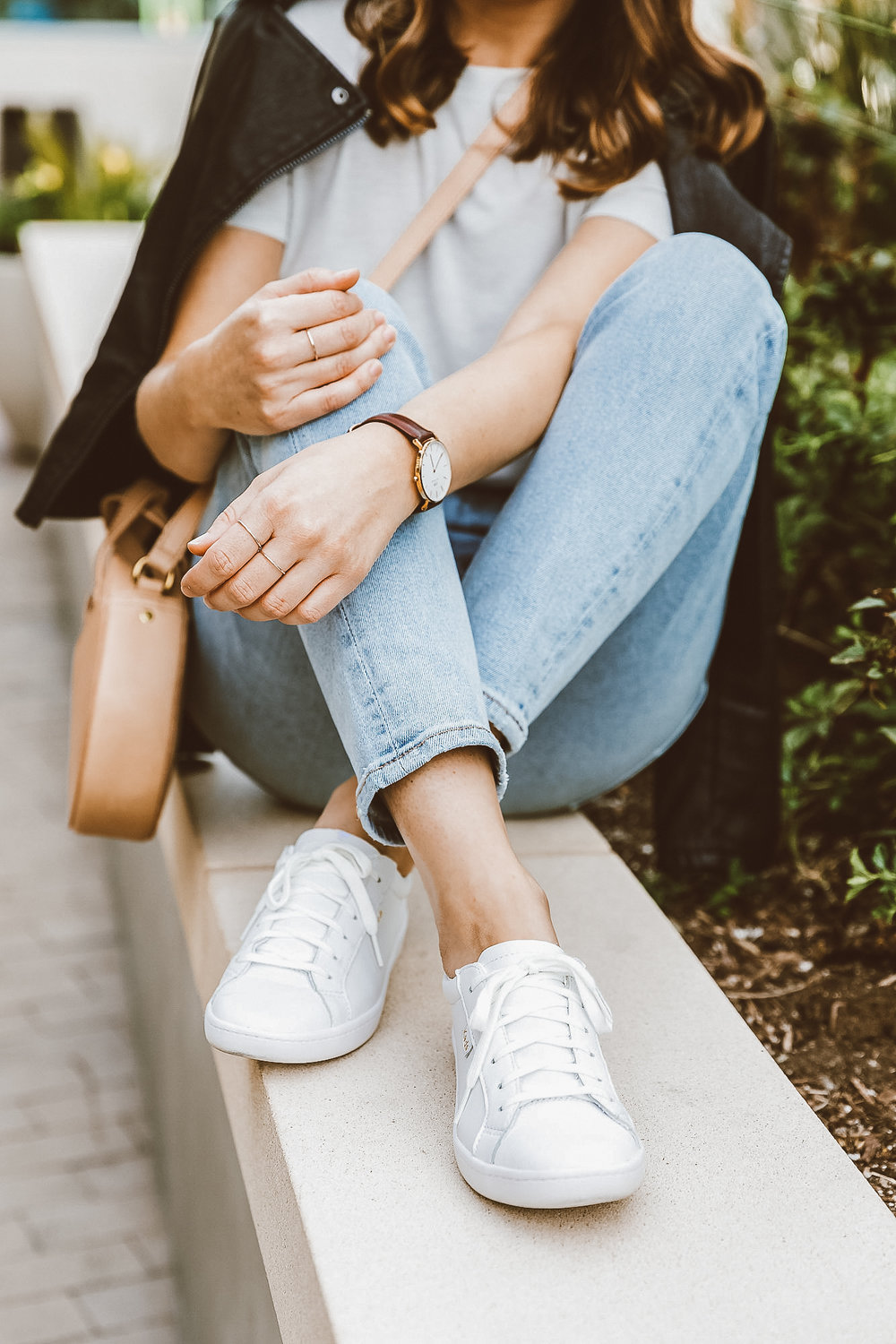 white leather keds outfit