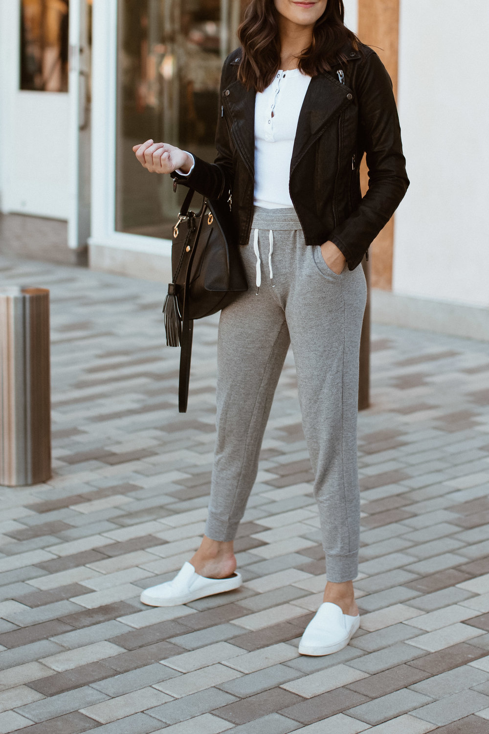 jogger pants outfit