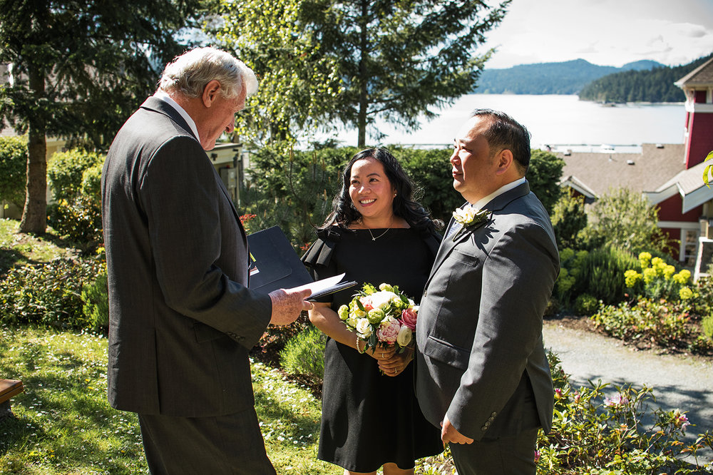 Pender Island wedding photographer - Amber Briglio Photography 14.jpg