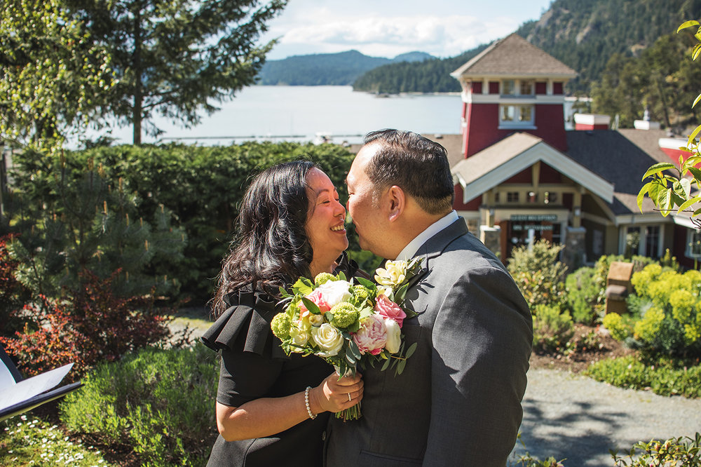 Pender Island wedding photographer - Amber Briglio Photography 16.jpg