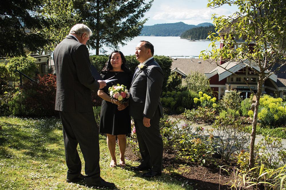 Pender Island wedding photographer - Amber Briglio Photography 15.jpg