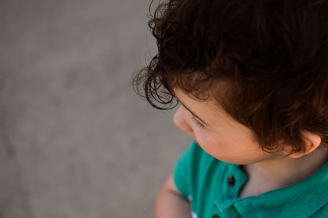 What we missed.... This little one official changed from baby to boy 😥. Those curls are now gone! . . . . . #kamloopsphotographer #momswithcameras #littleandbrave #candidchildhood #letthekids #clickinmoms #childhoodunplugged #ourcandidlife #pixel_kids #cameramama #dearphotographer #runwildmychild #documentyourdays #themindfulapproach #treasuringlittlememories #lifewellcaptured #thedocumentarymovement