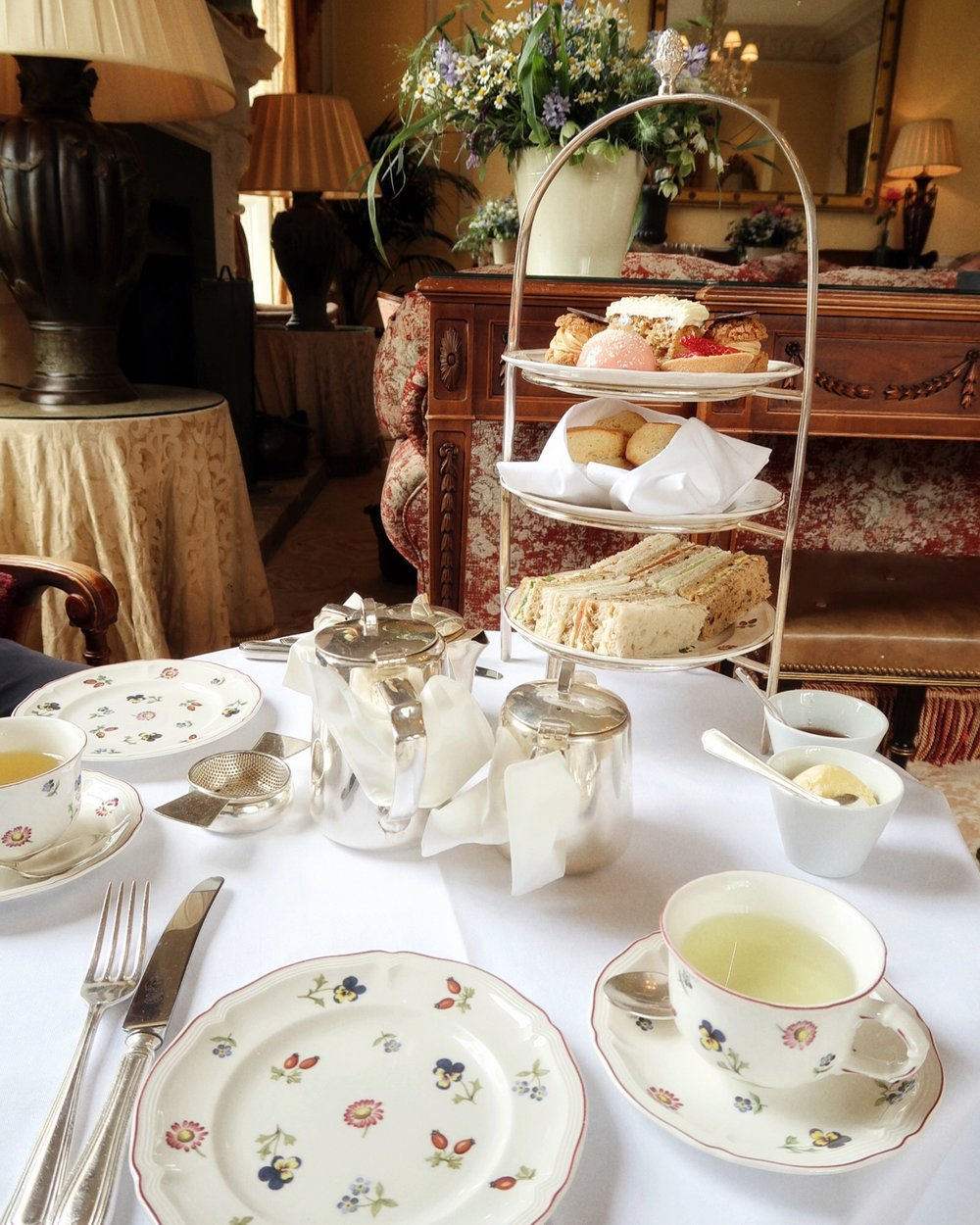 Weekend in the Cotswolds | Afternoon tea at Lucknam Park