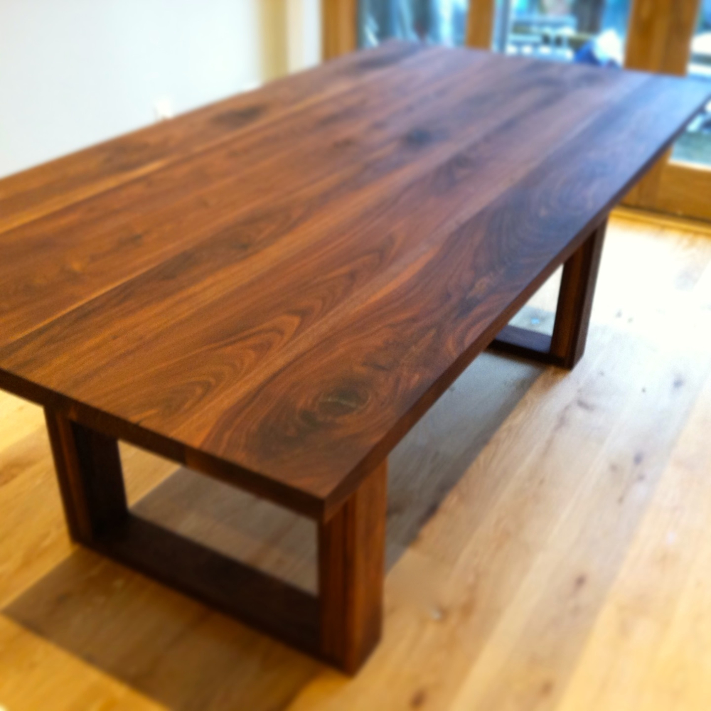 ford dining table