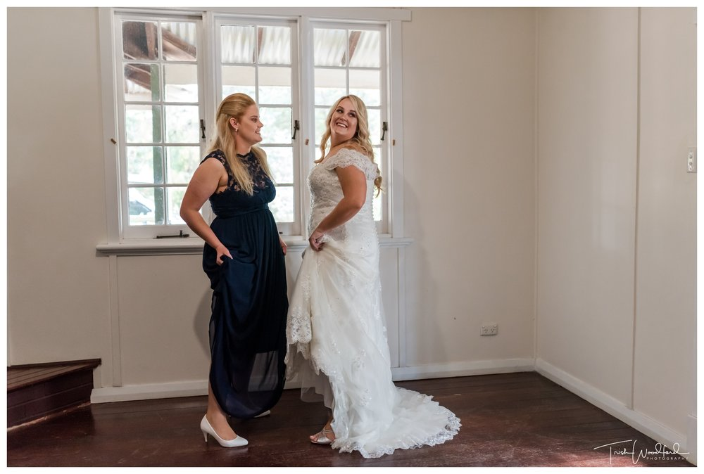 bride-bridesmaid-fairbridge-village