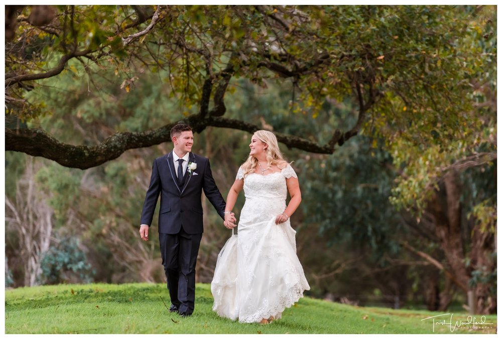 bride-groom-fairbridge-village-wedding