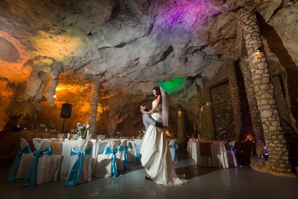 Cabaret Cave Wedding Yanchep