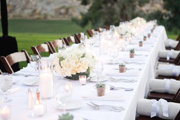 Simple-Elegant-White-Wedding-Ideas-3.jpg
