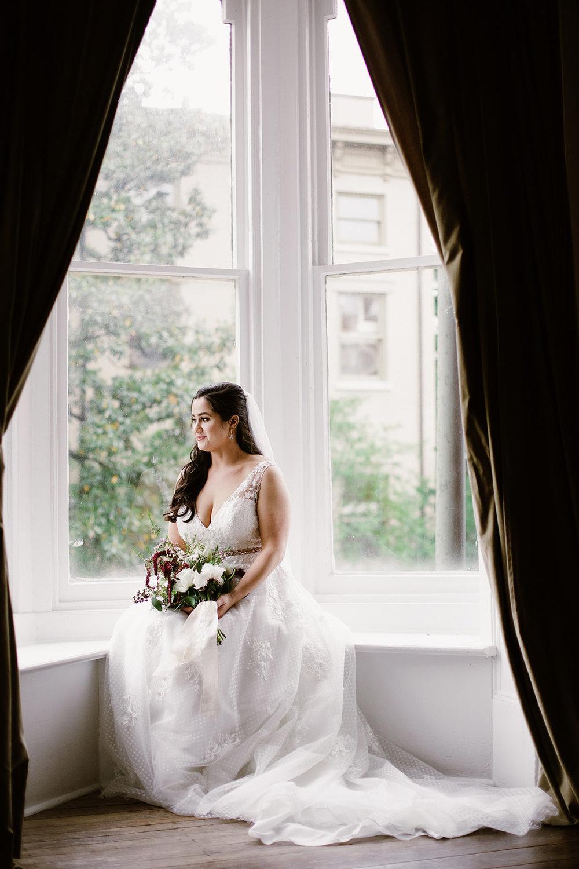 SarahMattozziPhotography-EmilyColin-LindenRowInnWedding-GettingReady-168.jpg