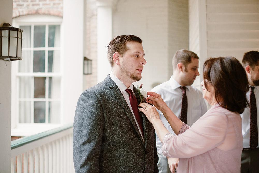 SarahMattozziPhotography-EmilyColin-LindenRowInnWedding-WeddingParty-6.jpg
