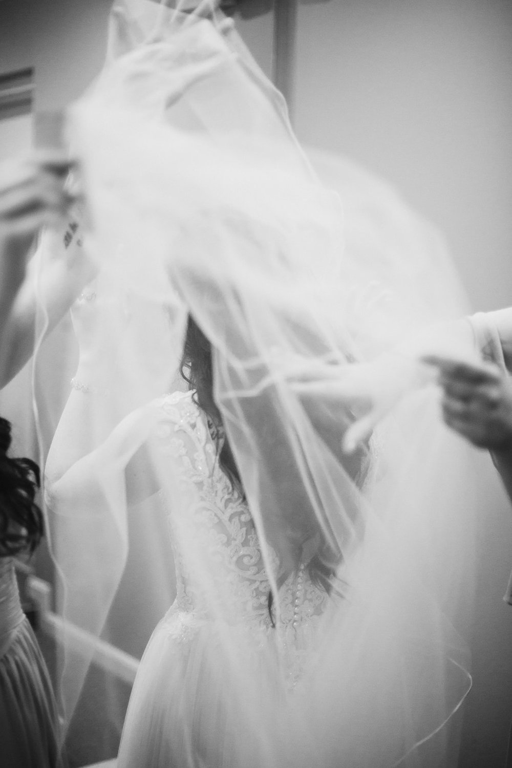 SarahMattozziPhotography-HarbourViewEvents-GettingReady-22.jpg