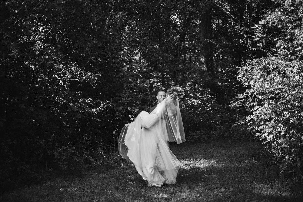SarahMattozziPhotography-FredericksburgVAWedding-Portraits-5.jpg
