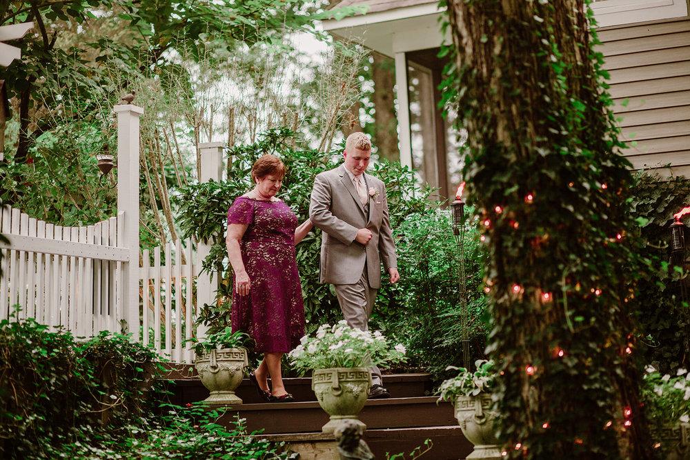 SarahMattozziPhotography-NicoleChris-GlenGardens-Ceremony-1.jpg