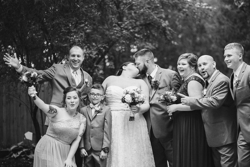 SarahMattozziPhotography-NicoleChris-GlenGardens-WeddingParty-2.jpg
