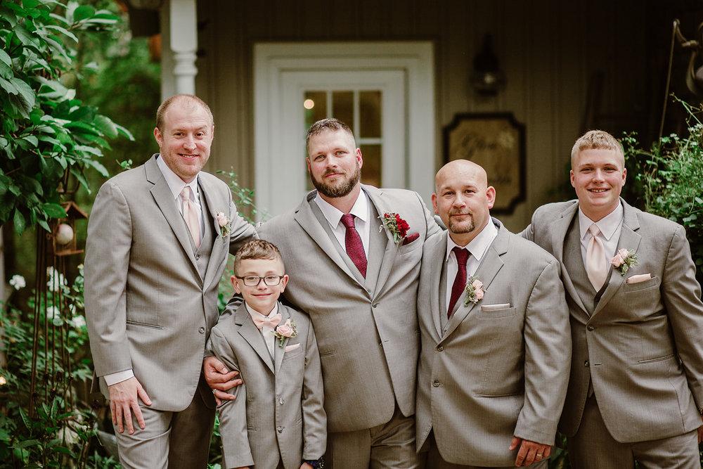 SarahMattozziPhotography-NicoleChris-GlenGardens-WeddingParty-3.jpg
