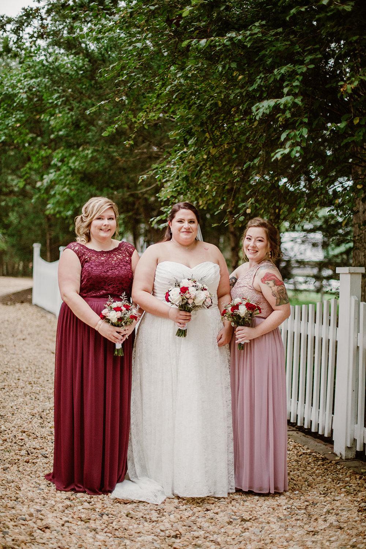 SarahMattozziPhotography-NicoleChris-GlenGardens-WeddingParty-9.jpg