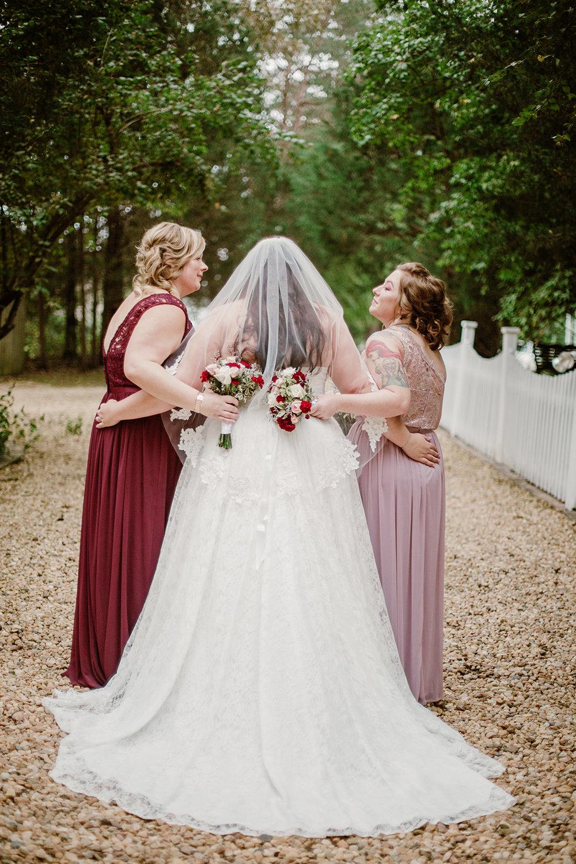 SarahMattozziPhotography-NicoleChris-GlenGardens-WeddingParty-10.jpg