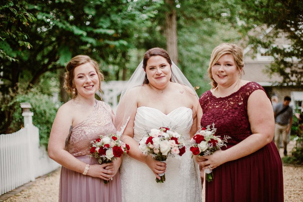 SarahMattozziPhotography-NicoleChris-GlenGardens-WeddingParty-11.jpg