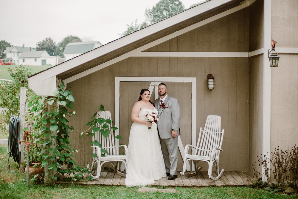 SarahMattozziPhotography-NicoleChris-GlenGardens-Portraits-7.jpg
