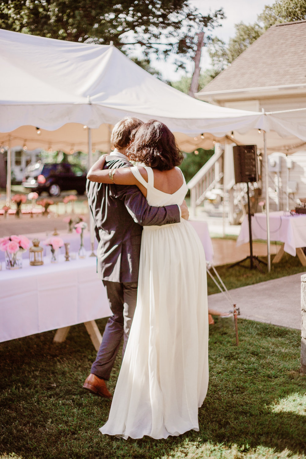 SarahMattozziPhotography-BackyardWedding-ColonialBeachVirginia-34.jpg