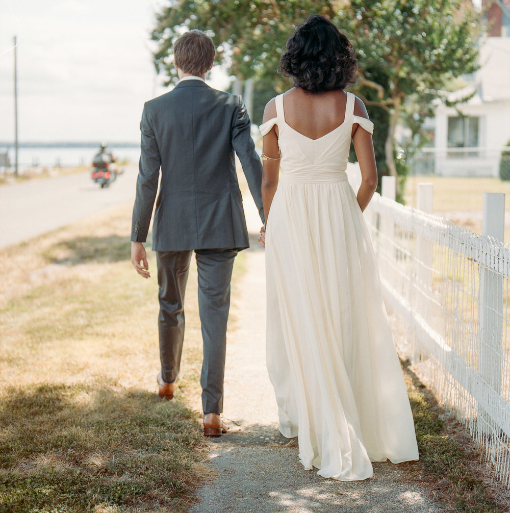 SarahMattozziPhotography-BackyardWedding-ColonialBeachVirginia-50.jpg