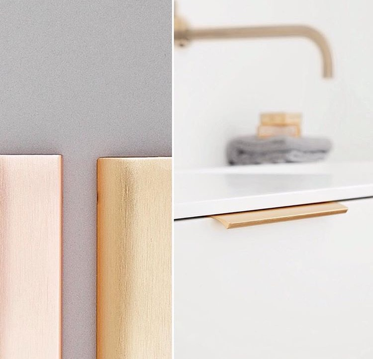 Opt for a brushed finish rather than a polished or mirror look when choosing your cabinet handles.   Edge Straight handles by Furnipart are available in a range of beautiful metal finishes.