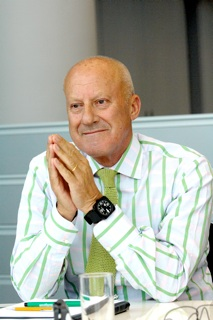 Norman Foster ©Nigel Young, Foster + Partners