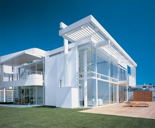 Beach House located in Southern California - totally gushing.