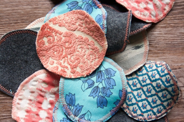 DIY Reusable Cotton Rounds from Fabric Scraps.