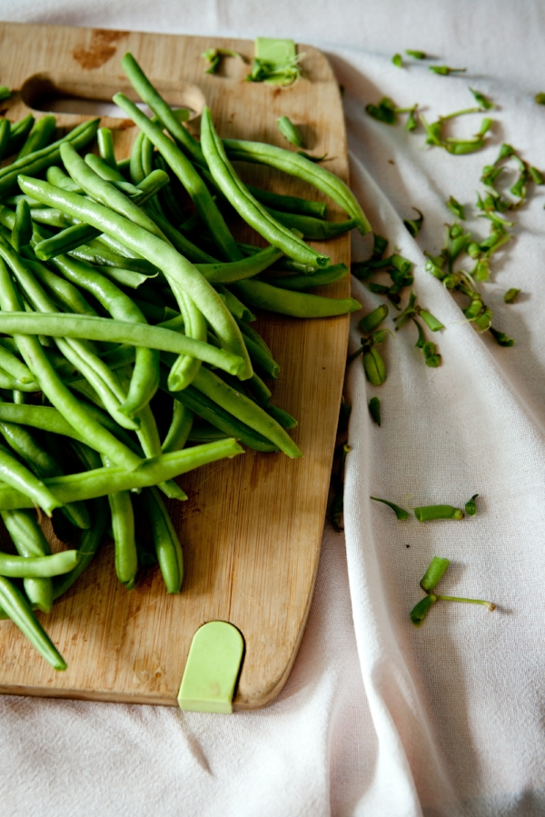 Zero Waste: 5 Tips to Avoid Food Waste -Prepping Green Beans -