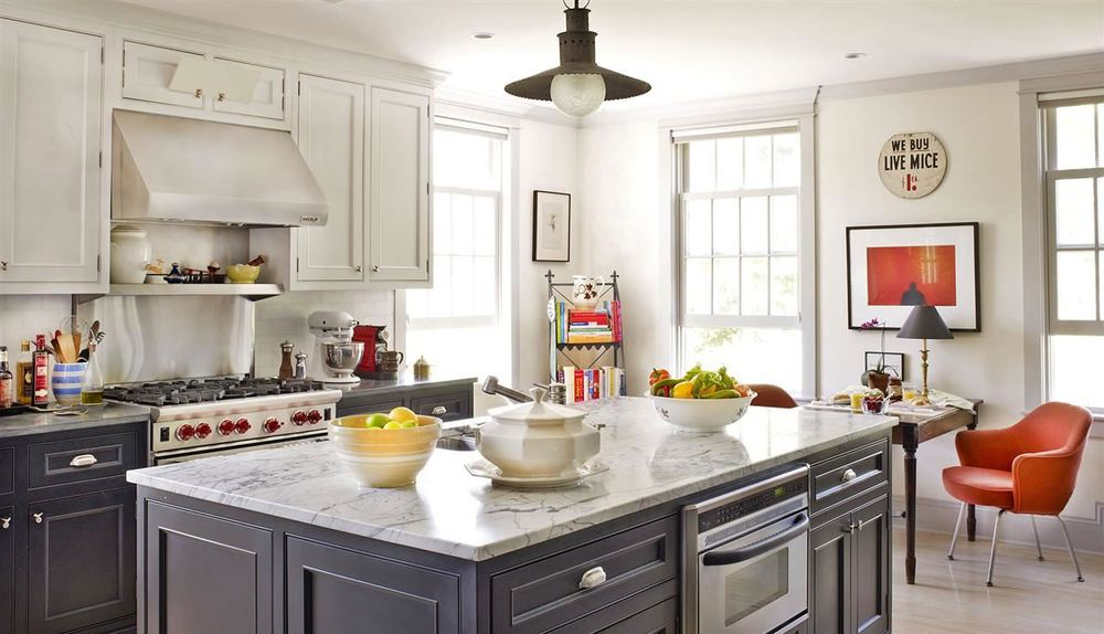 Loving grey kitchen cabinets