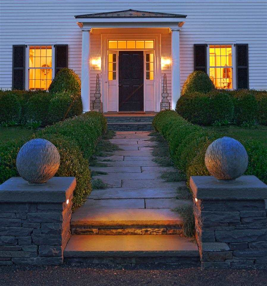 Boxwood lined entry