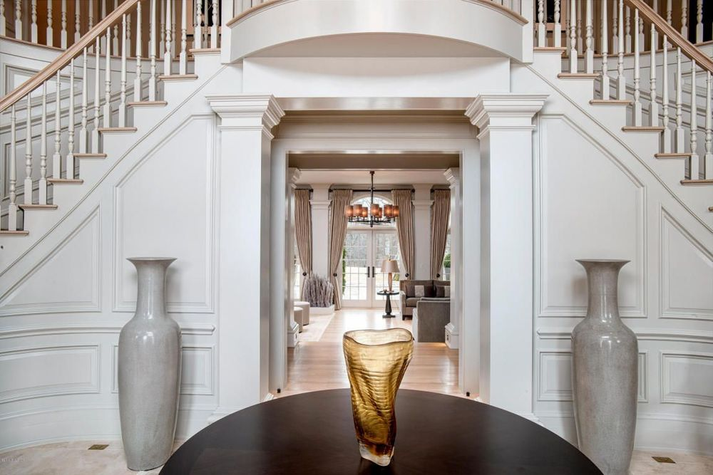 striking foyer in a beautiful georgian estate