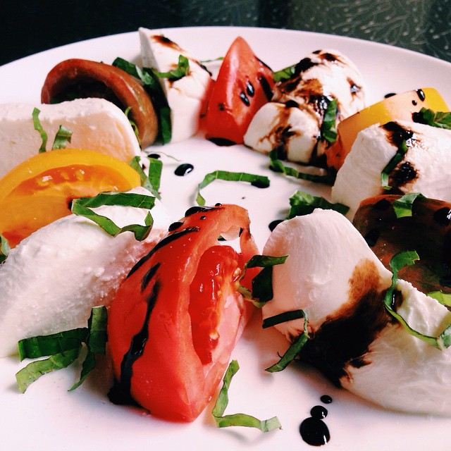 Change of seasons comes with a change of our menu! Live today with new dishes such as our #caprese salad with fresh #mozzarella, heirloom tomato and smoked sea salt. On the menu for both #lunch and #dinner! Kitchen open until 3 am daily! #chicagofoodauthority #chicagoeats #spring