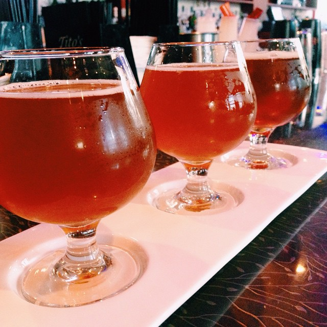 Our new #Thursday special: $12 Local Craft Draft Beer Flights! Currently on tap: @gooseislandbeer #Matilda #GreenLine & #TenHillsPaleAle come join us every Thursday with this special available from 11 am - 4 am. #chicagobeer #chicagodrinkspecials #beerflight #gooseislandbrewery