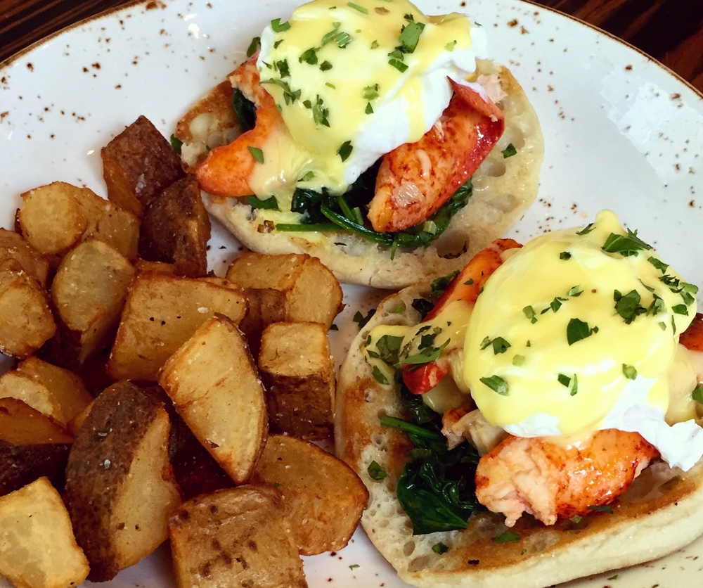 lobster eggs benedict .jpg